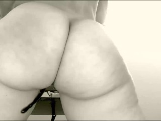 Showing my pretty ass on webcam. your opinion?)