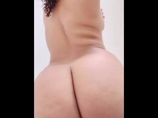 Big fat ebony ass twerking solo