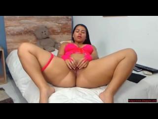 hermosa latina big ass culona brutal en casa