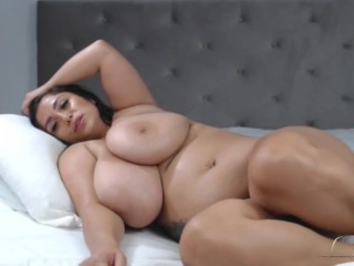 Very sexy BBW latina with fantastic natural big boobs and juicy body