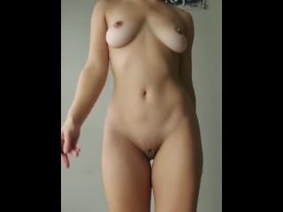 Pusicam Cute Girl Naked Dance