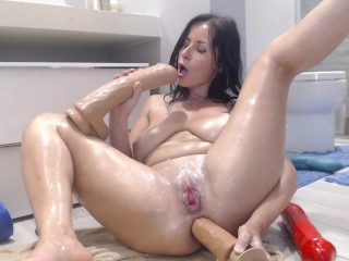 Naughtyelle - Crazy anal show