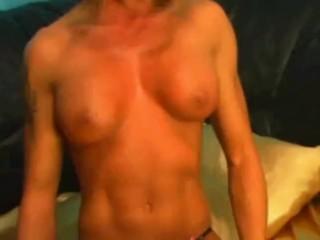 Nice Webcam muscle girl
