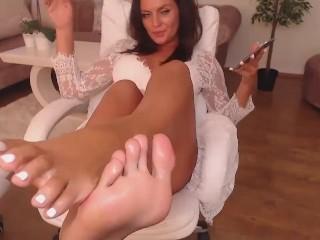 FL feet tease 1